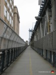 01-bridge-manhattan-walkway-fence-new-york-brooklyn
