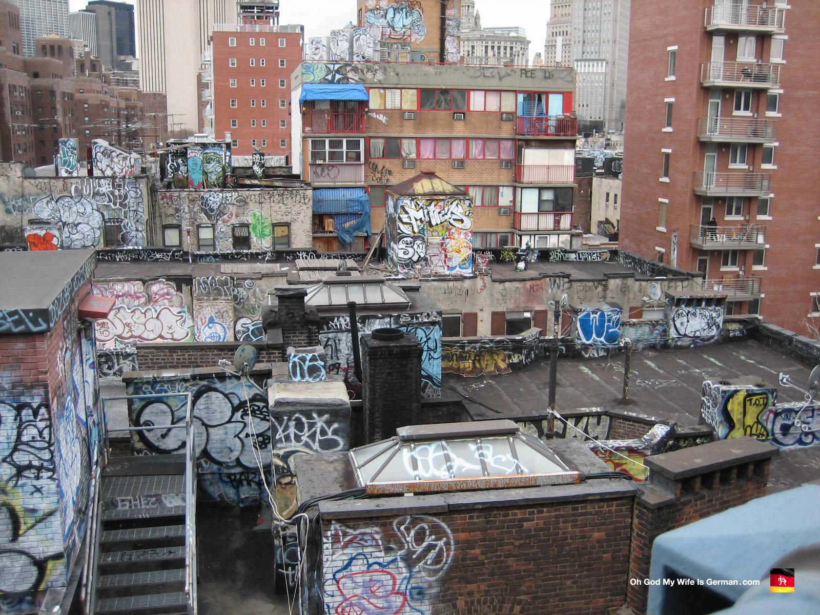 01 Graffiti Piece Buildings Nyc Manhattan Bridge