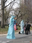 06-new-york-statue-of-liberty-costume-battery-park