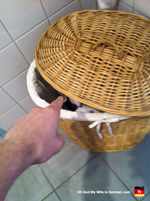 Wicker laundry basket / hamper
