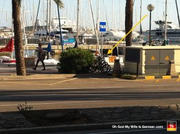 56-bikes-locked-to-street-sign-palma-mallorca