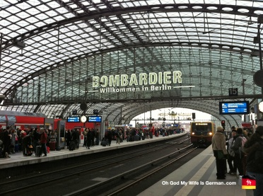00-berlin-germany-main-trainstation-hauptbahnhof-bombardier