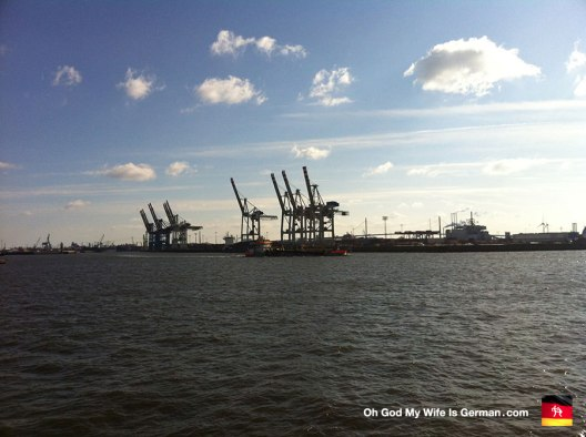 07-hamburg-shipping-cranes-and-docks