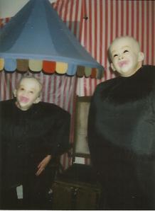 carnival-circus-freak-show-geek-costumes