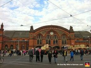 04-bremen-hauptbahnhof-entrance-germany