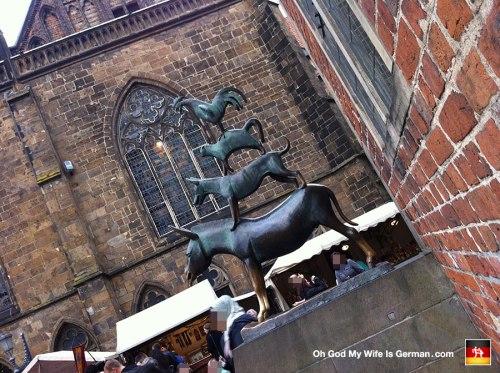 22-Bremen-Town-Musicians-Die-Bremer-Stadtmusikanten-folktale