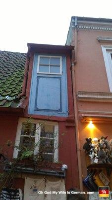 36b-schnoor-bremen-germany-door-to-nowhere