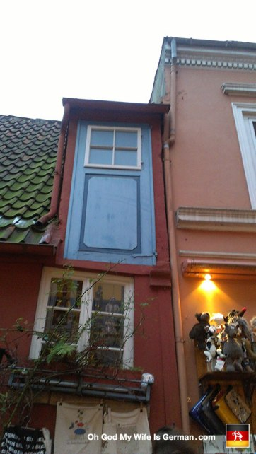 36b-schnoor-bremen-germany-door-to-nowhere