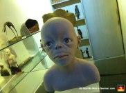 39-creepy-sculpture-art-schnoor-bremen-stores