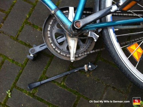 almost-stolen-bike-broken-off-bikestand