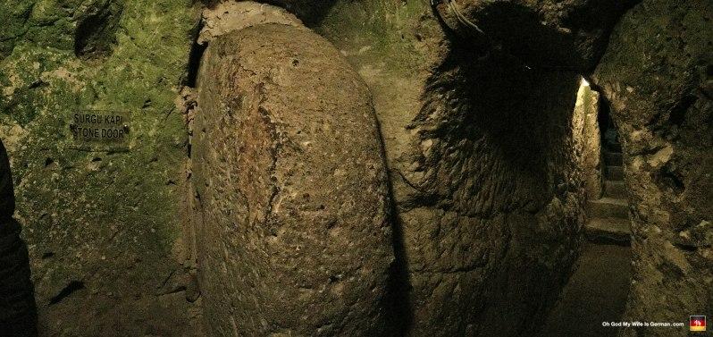 053-Kaymakli-Underground-City-rolling-stone-door