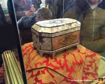 There is also a box (Sakal-i Ṣerif), supposedly containing the Holy Beard of Muhammad. People were gathered around this thing and sniffing beneath the glass to catch a whiff of his holy odor. (It does not smell good.)