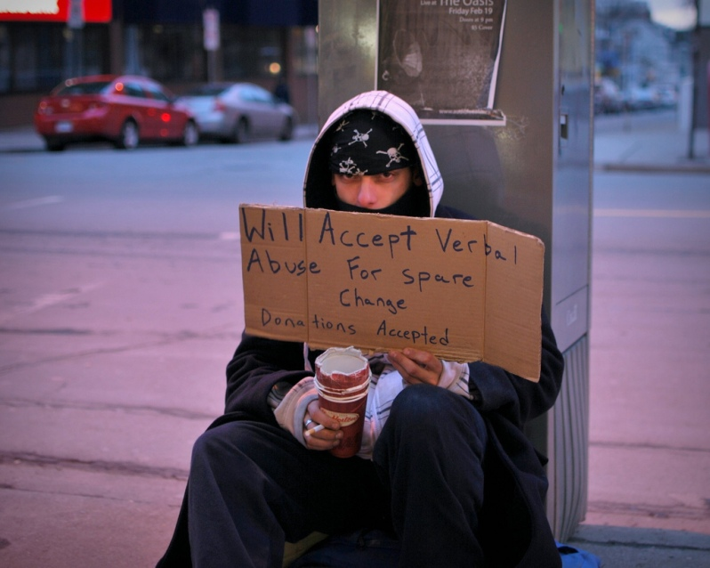 funny-homeless-man-sign