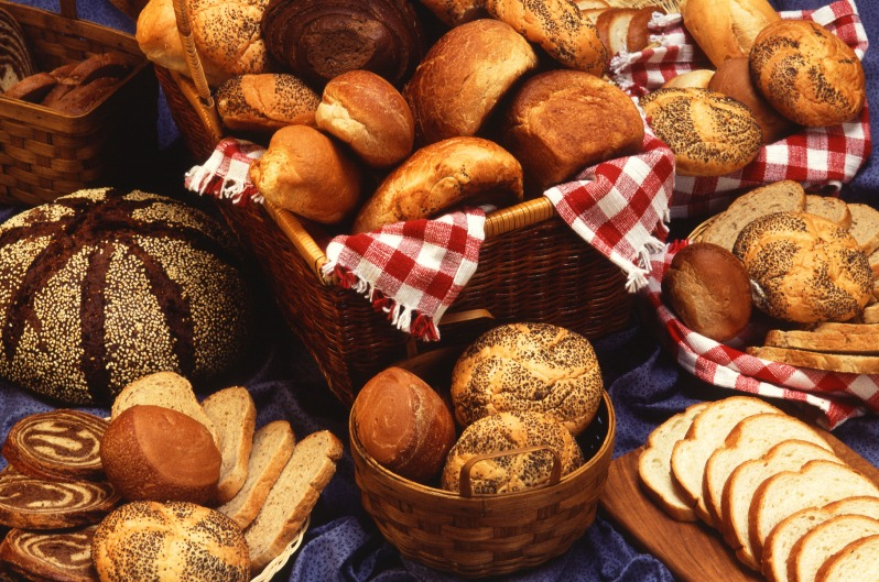 bread-loaves-baker-germany