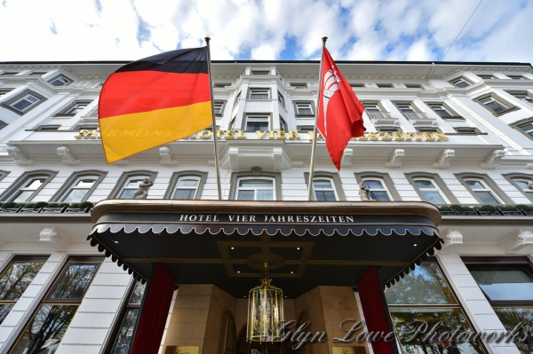 luxury-vacation-Fairmont-Hotel-Vier-Jahreszeiten-Alster-Lake-Hamburg-Germany