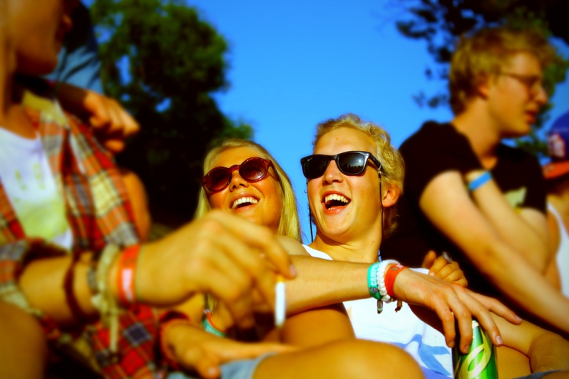 Young-German-couple-laughing-summer