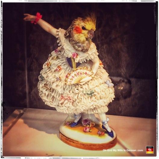 08-amsterdam-parrot-head-dancing-lady-figurine