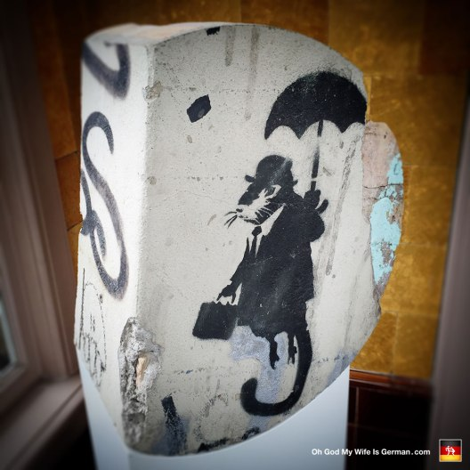 27-banksy-exhibit-amsterdam-rat-umbrella