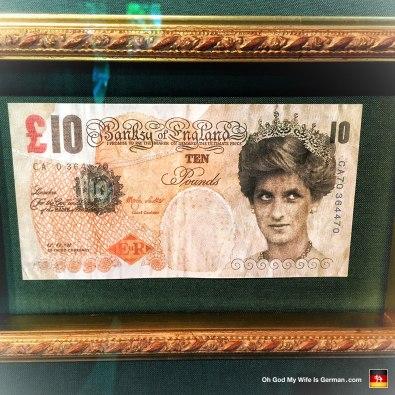 31-banksy-exhibit-amsterdam-10-pound-lady-di-note