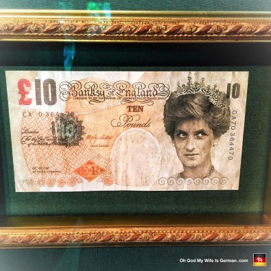31-banksy-exhibit-amsterdam-10-pound-lady-di-note