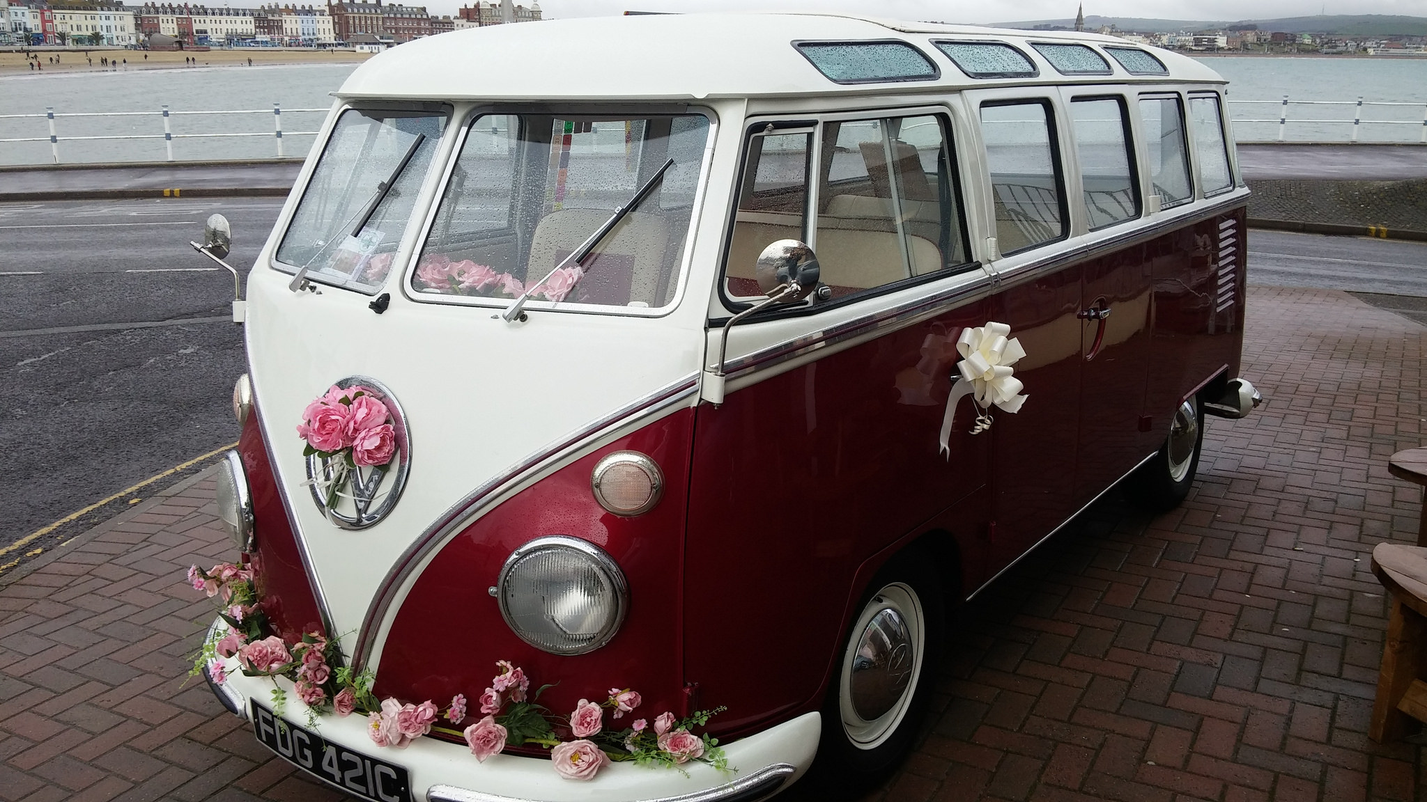 german-vw-wedding-procession-tradition-decorated