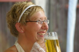 german-wedding-bride-drinking-beer