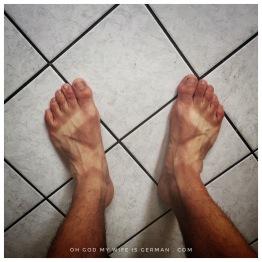 00-chaco-sandals-feet-tan-lines